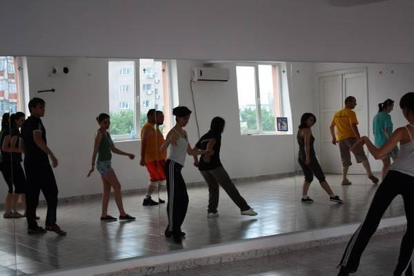 cursuri dans in pasi de dans