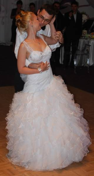 laura jimmy dans nunta