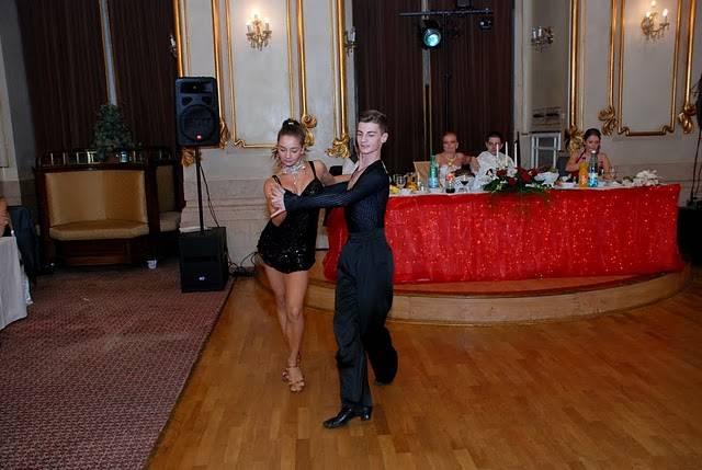 dansatori nunta
